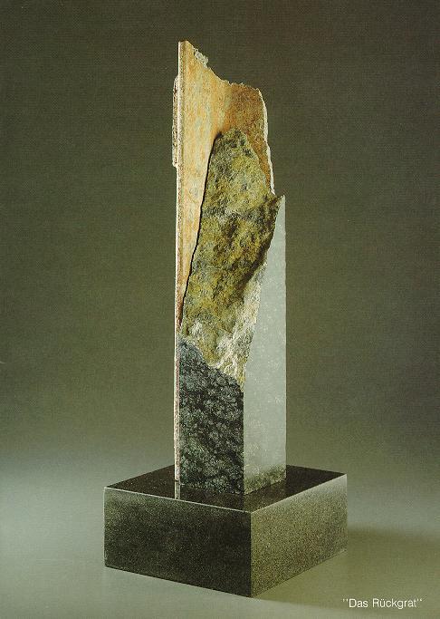 """Das Rückgrat"", Diabas, Eisen, 1988, 48 x 18 cm"