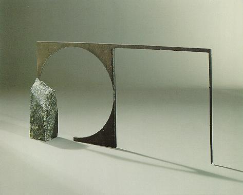 """""""Der Eckstein"""", Diabas, Eisen, 1990, 50 x 120 x 15 cm"""
