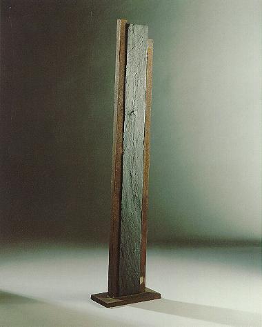"""""""Parameter"""", Schiefer, Eisen, 1990, 165 x 25 cm"""