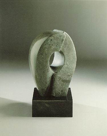 """""""Zueinander"""", Dolomit, Granit, 1989, 48 x 28 cm"""
